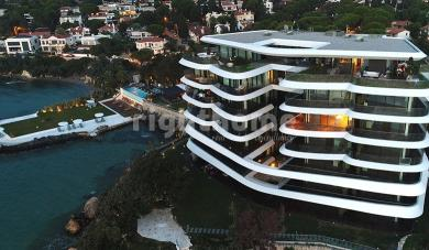 RH 329 - Resort with direct sea view in Izmir