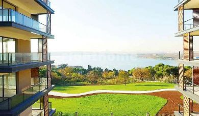 RH 151-Ready project with good  materials used and view to Kucukcekmece lake in Istanbul